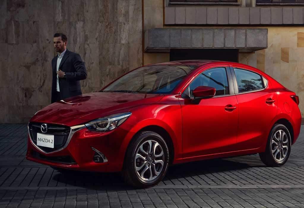 Mazda 2 Sedán Frente