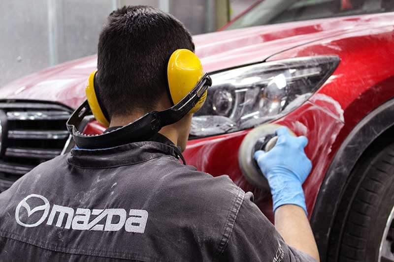 Reparación de colisiones Mazda